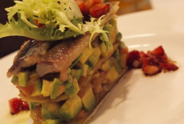 Milhojas de aguacate con lomo de sardinas - Recetas Usisa